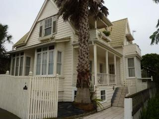 2 Bedroom St Marys Bay Villa Apartment, Auckland, Herne Bay