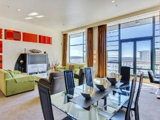 Large 2 Bedroom Heritage Hotel Serviced Apartment Acommodation - Central Auckland, Auckland Central