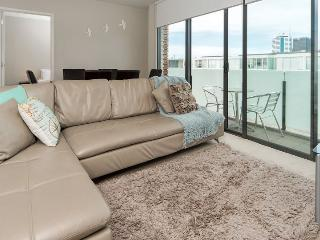 Auckland Serviced Apartment - Air Conditioned and City Skyline Views