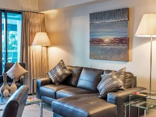 Two bedroom Luxury Auckland Apartment with Large Balcony Overlooking Marina Area of Viaduct Harbour, Auckland Central