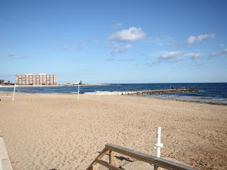 Apartment Easy Walking To Beaches & Town Centre, Torrevieja