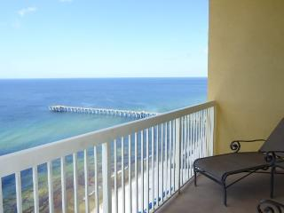 Amazing unit with private bunks! Book Today! 2302E, Panama City Beach