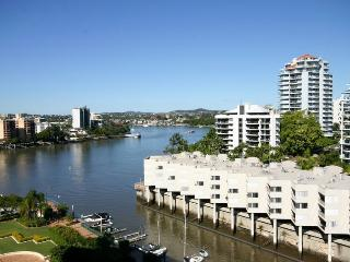 Lovely waterfront fully furnished apt, Brisbane