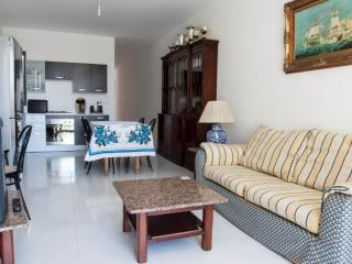 Central 2 Bedroom Apartment Free WIFI, Bugibba