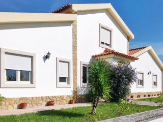 Near Santarem, former olive oil mill turned into a beautiful holiday villa with swimming pool, Outeiro da Corticada