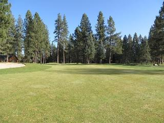 #35 ASPEN Outstanding Town Home! $215.00-$250.00 BASED ON FOUR PEOPLE OCCUPANCY AND NUMBER OF NIGHTS (plus county tax, SDI, and processing fee), Graeagle