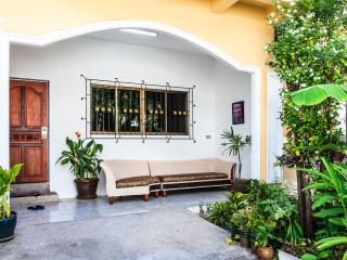 2 Bedroom House + Pool! 5 pax, Patong