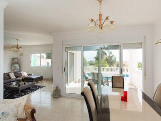 Spacious 3 Bed Detached Villa With Private Pool, Campello