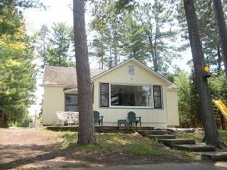 3 bedroom cottage on popular Catfish Lake, Eagle River