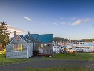 Waterfront Cottage near town - (Best Place Cottage), Friday Harbor