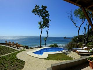 Villa Tortuga- Beachfront - Ideal for big group, Playa Maderas