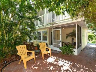 New Listing! Ground fl IMMACULATE Lanai Priv patio, Bradenton Beach