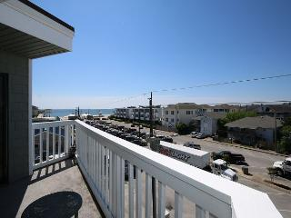 Summer Place A3 - Prime top floor end unit, one bedroom ocean view condo., Wrightsville Beach