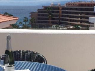 Costa Adeje, sea-view, free WiFi, 250 m from beach, Playa de las Americas
