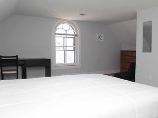 Spacious Townhouse in Sandy Hill, Ottawa