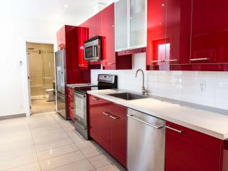 Chic Open Apt in Trendy Plateau, Montreal
