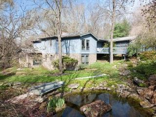 Secluded North Park Home, Downtown Pittsburgh, Gibsonia