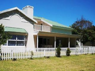 Within walking distance to the shops and central beach, Plettenberg Bay