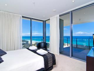 Verve 3 Bedroom Ocean View Apartment, Broadbeach