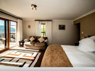 Moon Bay Guest House & Villa, Fish Hoek