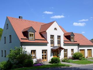 Vacation Apartment in Ploessberg - 592 sqft, 2 bedrooms, max. 5 people (# 6214), Konnersreuth