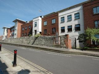 East Walls Apartment, Chichester