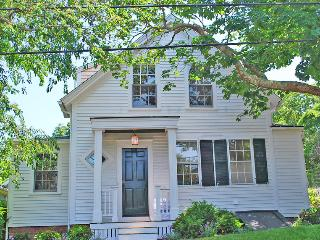 109 School Street Edgartown, MA, 02539
