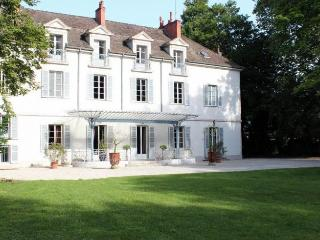 Chateau De Champ Carre, Tailly
