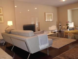 Modern Luxury 2 Bedroom 2 Bathroom Share, Los Angeles