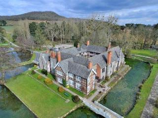 Tudor Courthouse Estate, Stretton Sugwas