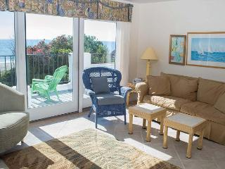 3BR Oceanfront Condo!  Great views of waves and sunsets!!, Pine Knoll Shores