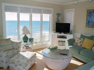 Recently Renovated 3BR/3BA Oceanfront Condo with wonderful amenities!, Pine Knoll Shores