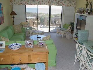 Wonderful Oceanfront Condo with views and great amenities!, Pine Knoll Shores