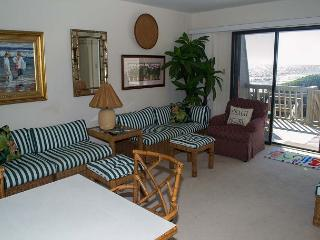 4BR Oceanfront Condo with Private Beach Access and Swimming Pools!, Pine Knoll Shores