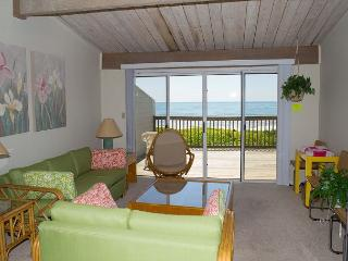 3BR Multi-level Oceanfront condo, views from Principal BR and Living Area!, Pine Knoll Shores