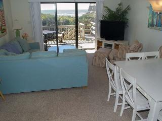 Great Location!  4BR Oceanfront Condo, Pine Knoll Shores