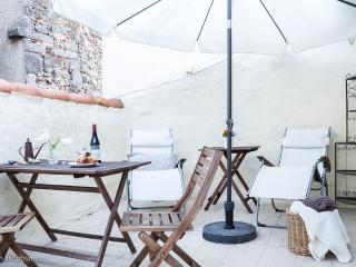 3  Bed Town House with Roof Terrace/ Historic Agde