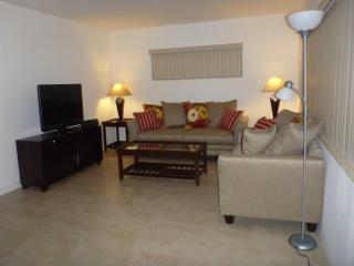Beautiful Apartment - Close to the Beach, North Miami Beach