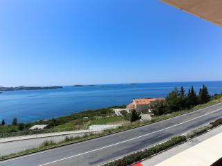 Apartments Zupcica - Double or Twin Room with Balcony and Sea View, Mlini