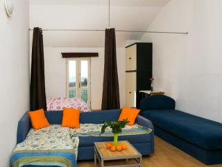 Nature Therapy Rooms - Comfort triple room with balcony and sea view, Mlini