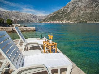 Apartment Daria - One-bedroom apartment with Terrace, Perast