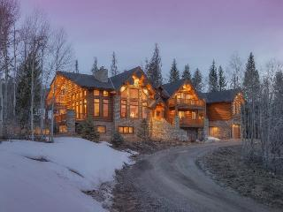 Ruby Ranch Home - 10,000 square feet, rec room, movie theatre, full bar, wine cellar!, Keystone