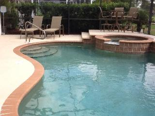 Heated Pool / Jacuzzi Home : Gated, Golf Community, Estero