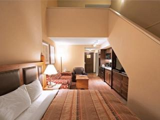 Blackcomb Lodge - 1 Bedroom + Loft, Cumberland County