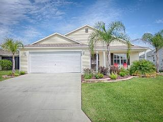 Impeccable property in the village of Charlotte with free use of golf cart, The Villages
