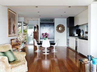 TAMARAMA BEACH PAD - Contemporary Hotels, Bondi
