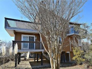 Nice 4 bedroom, 2.5 bath home with many extras - less then 1 block to the beach!, South Bethany