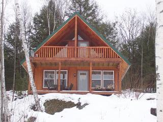Secluded Pine Cottage on 70 Acre Wilderness, Ryegate