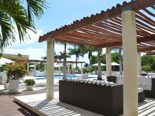 Welcome to Condo Napoles, Playa del Carmen