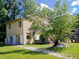Great House for 10 guests in the Alps, Allemond